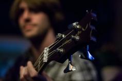 mani-chitarra